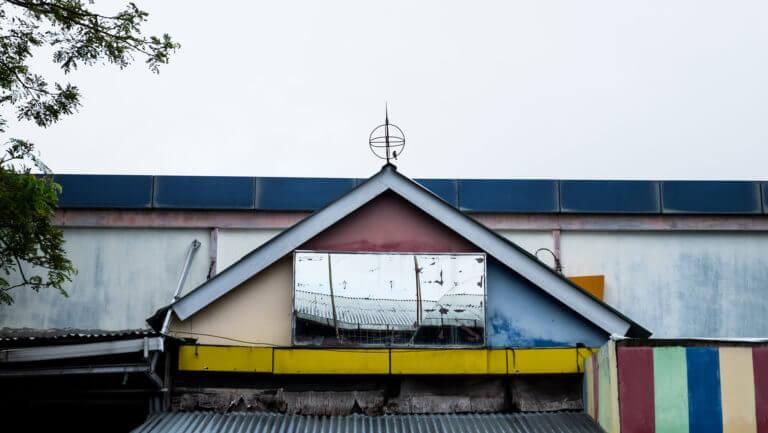 Arquitectura pintoresca en la ciudad de Manado en Sulawesi