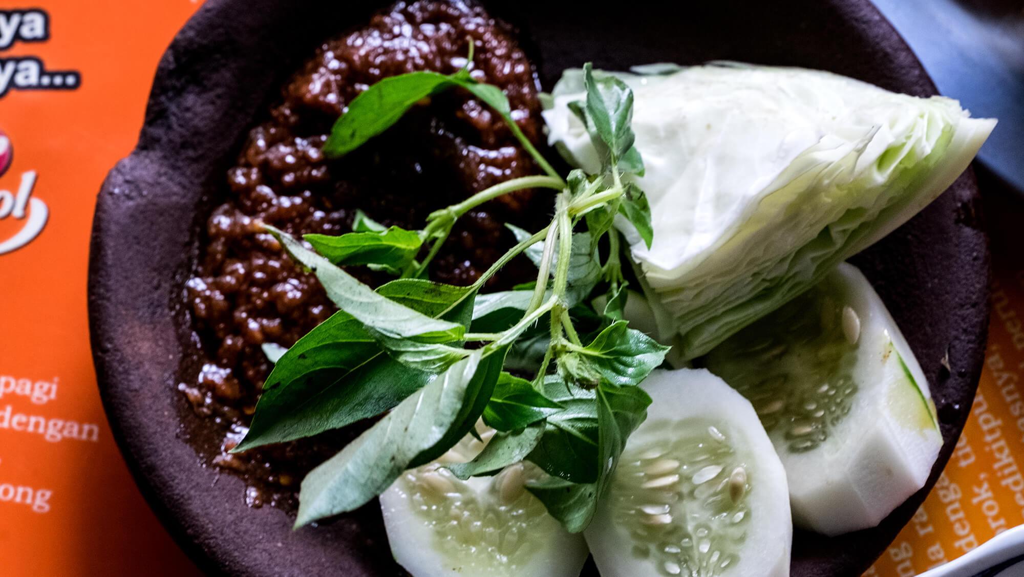 Gastronomía local en la ciudad Manado en Sulawesi