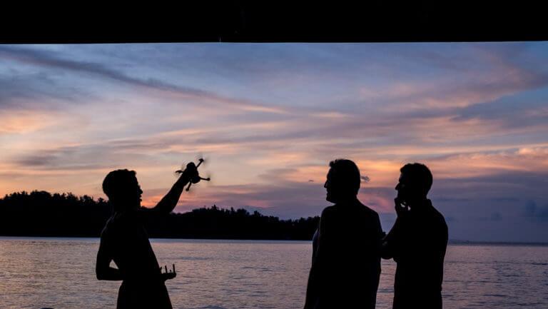 Sunset en las islas Togean jugando con un dron