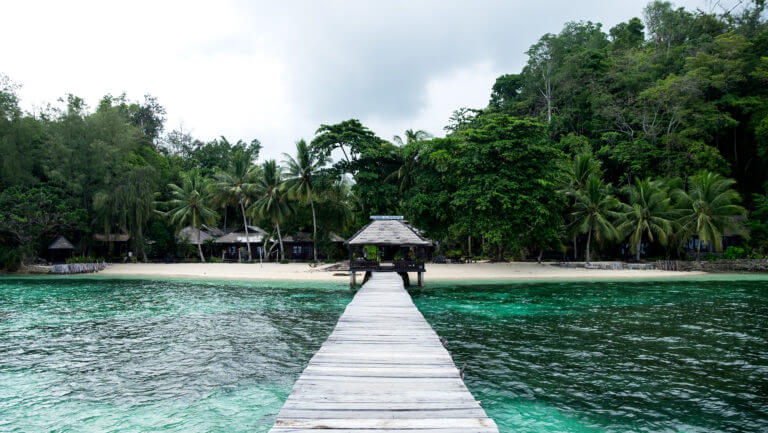 Embarcadero en la isla de Kadidiri en Togean (Sulawesi - Indonesia)