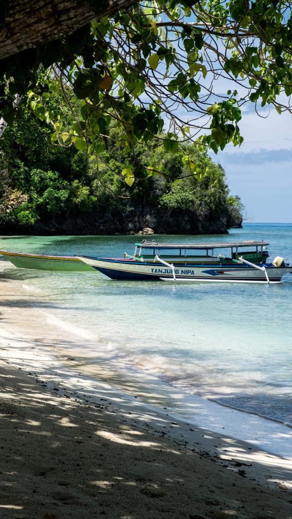 Embarcación tradicional en la isla de Malenge en Togean