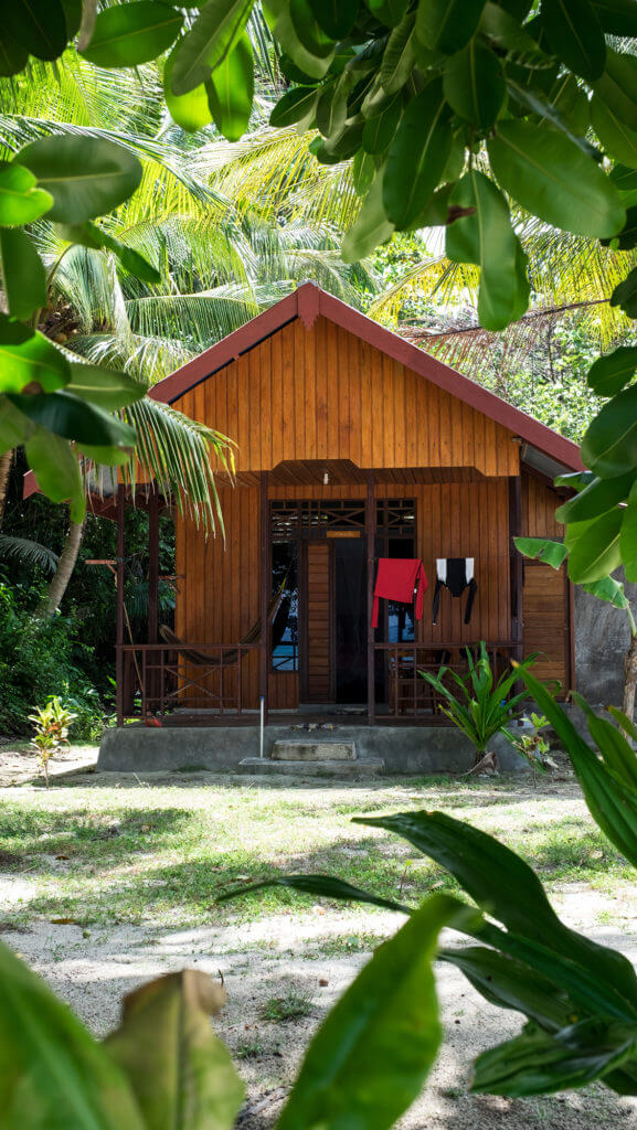 Cabaña de Malenge Indah en las islas Togean de Sulawesi
