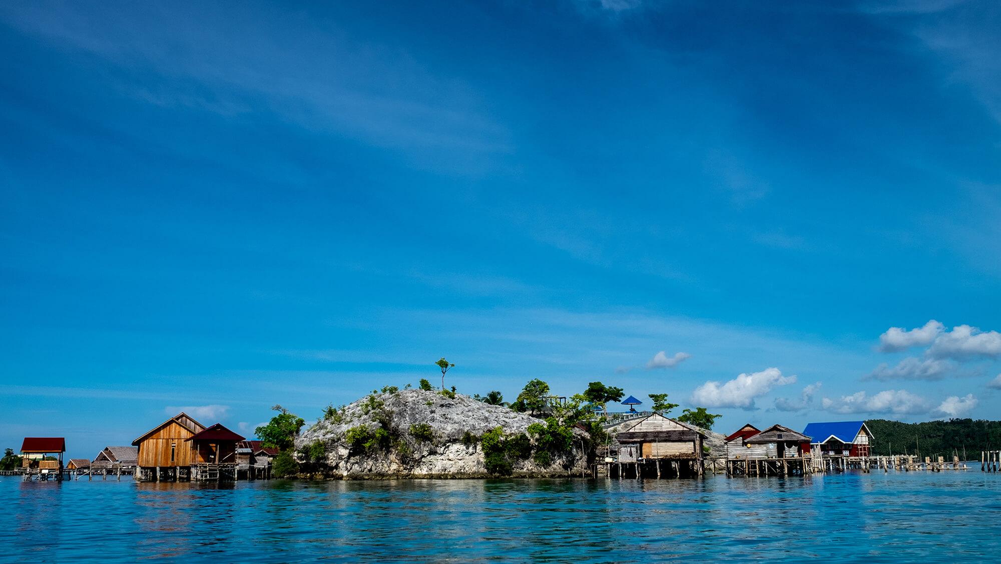 Aldea bajau en las islas Togean de Sulawesi