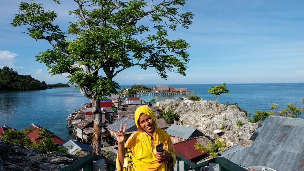 Panorámica de aldea bajau en las islas Togean de Sulawesi