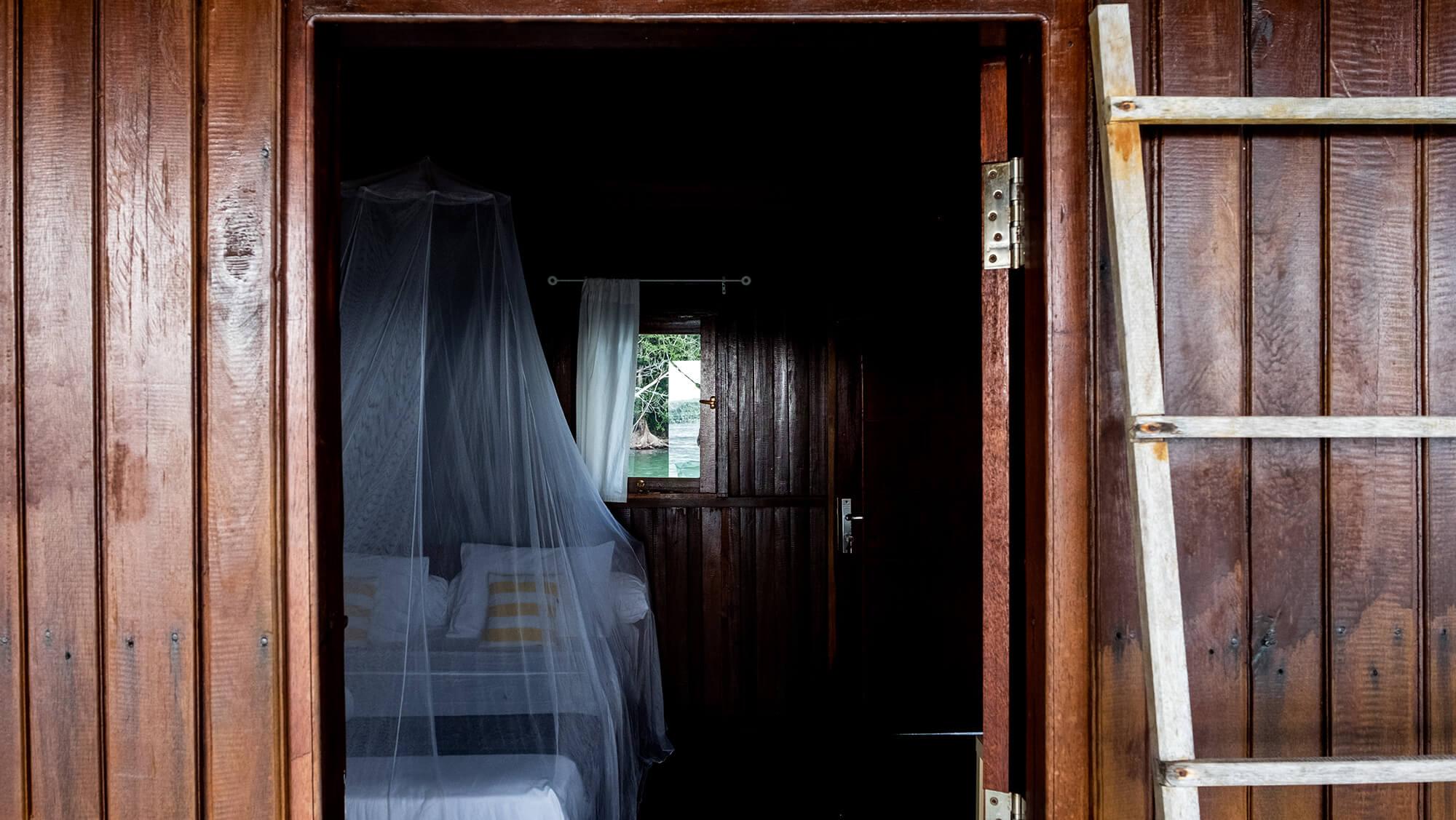 Cabaña sobre el agua del Hamueco Raja Ampat