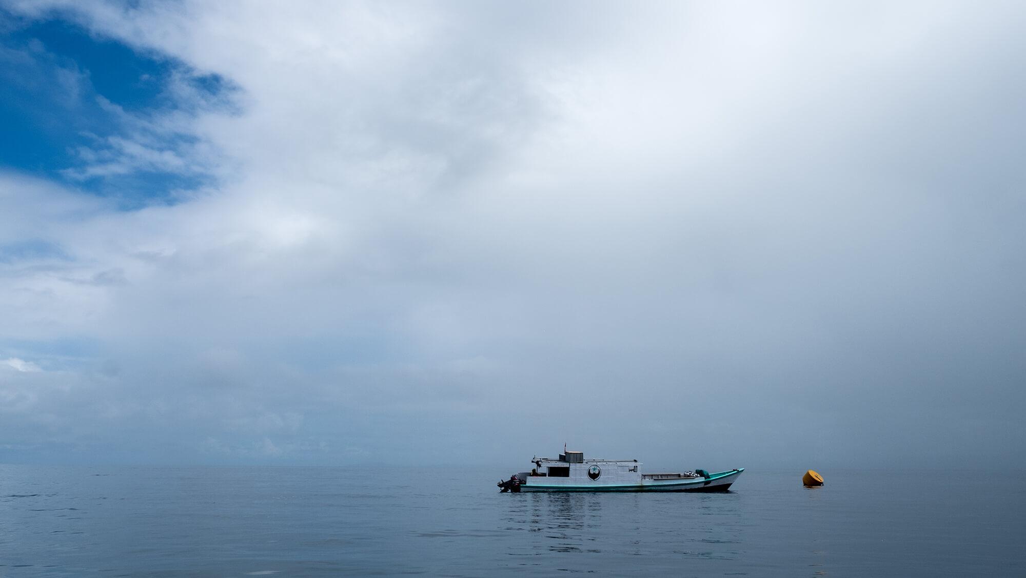 Barco de buceo Scuba Republic en Raja Ampat, Papúa