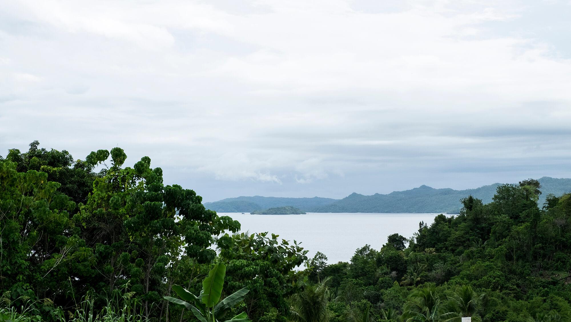 Panorámica de varias islas de Raja Ampat en Papúa en Indonesia