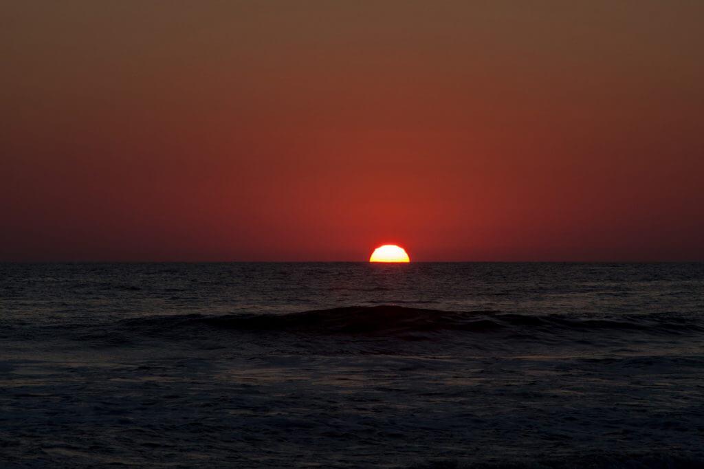 Atardecer en Boca de Cielo en el Pacífico mexicano