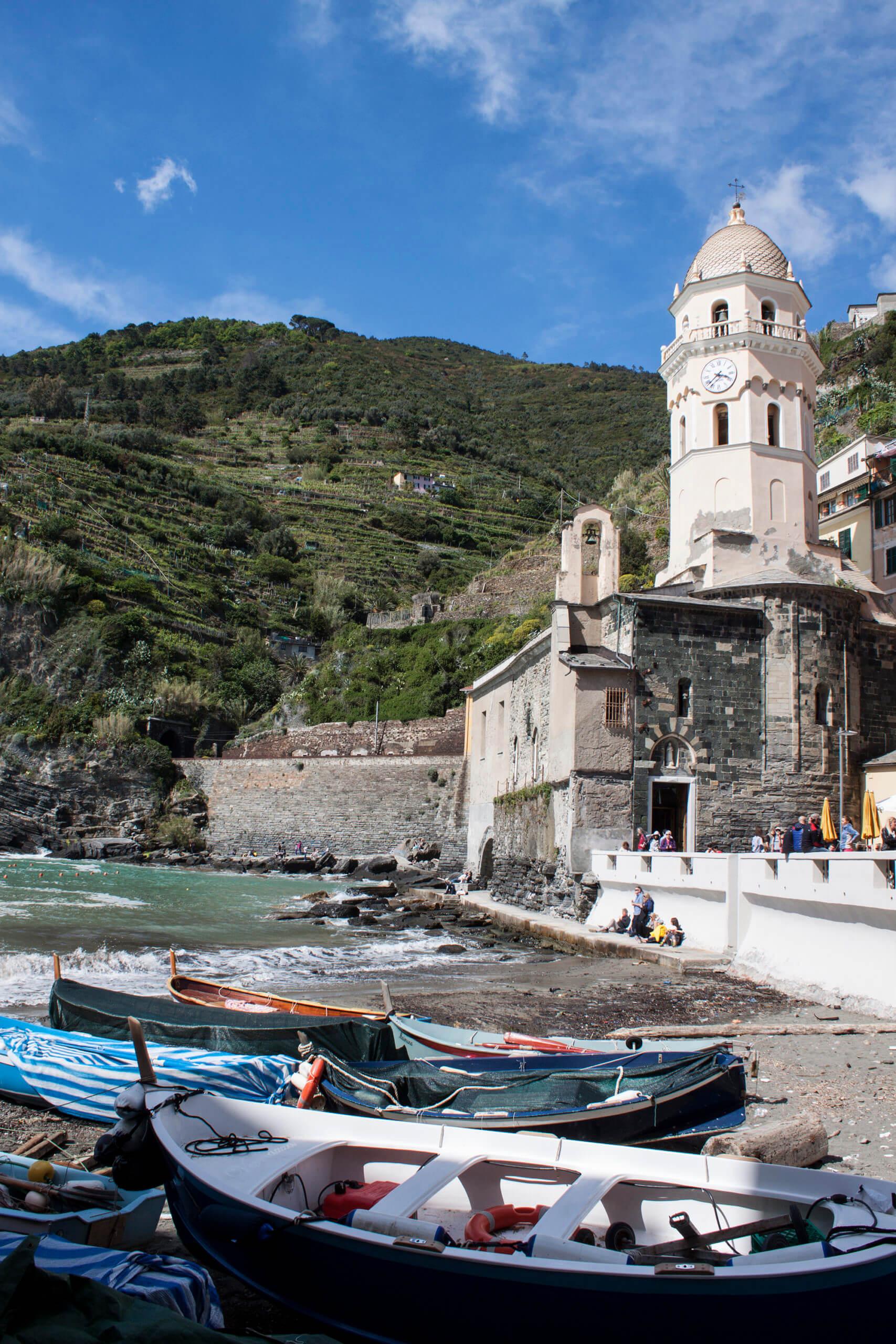 Cinque Terre en la costa mediterránea de Italia: cinco pueblos pintorescos y magnéticos